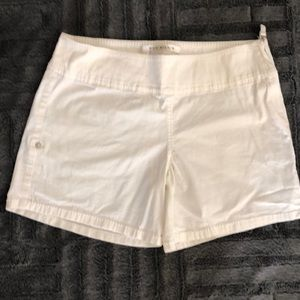 Max studio cream color shorts